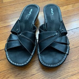 Aerosoles black sandals size 9